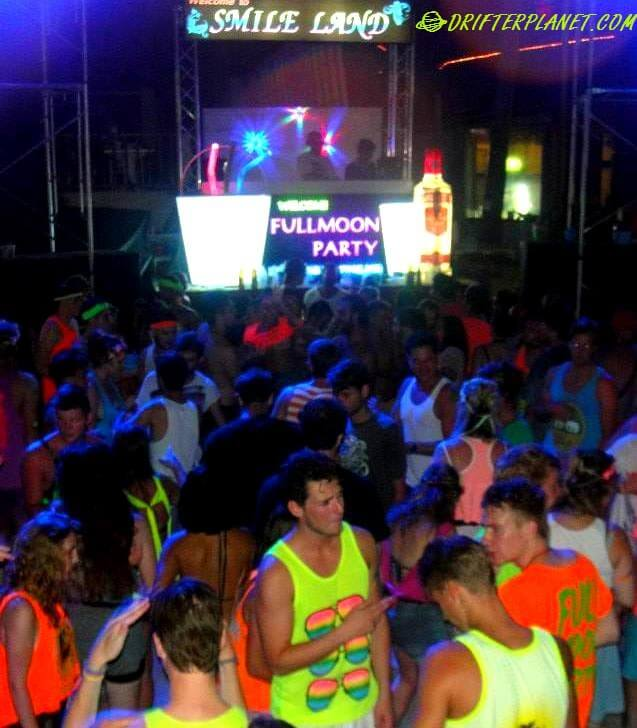 UV Party Attire - Everyone looks the same!