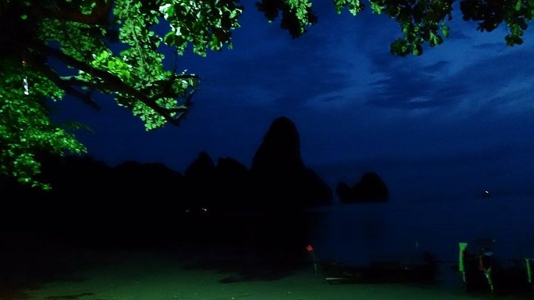 Ton Sai at night. This beach is perfect for a night swim! by Drifter Planet