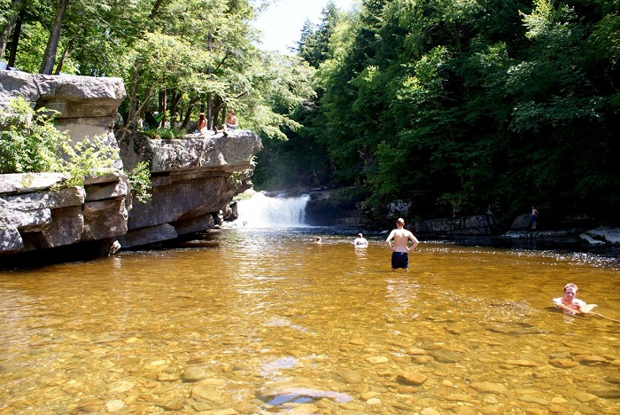 Bristol Falls. Lincoln, Vermont (USA)