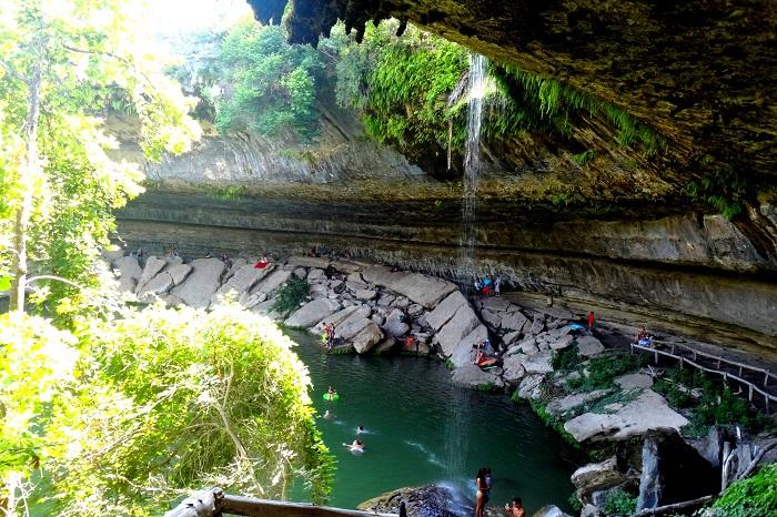 Hamilton Pool in Dripping Springs, Texas (USA)