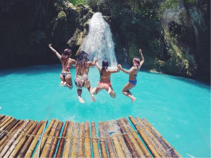 Kawasan Falls in Cebu (Philippines)