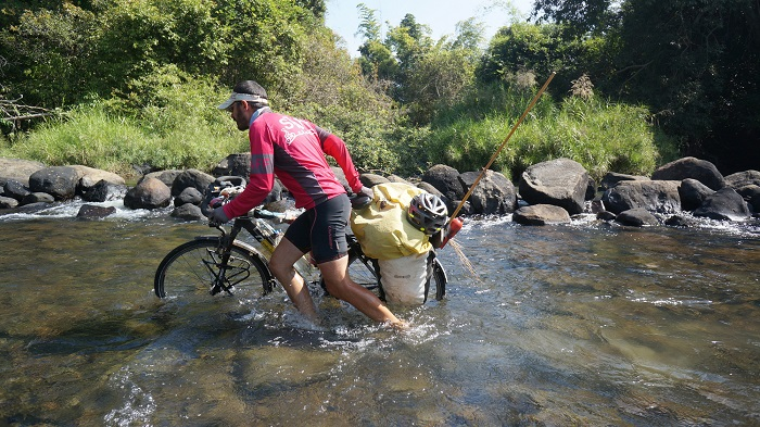 Around the World on Bicycle - Mike Roy