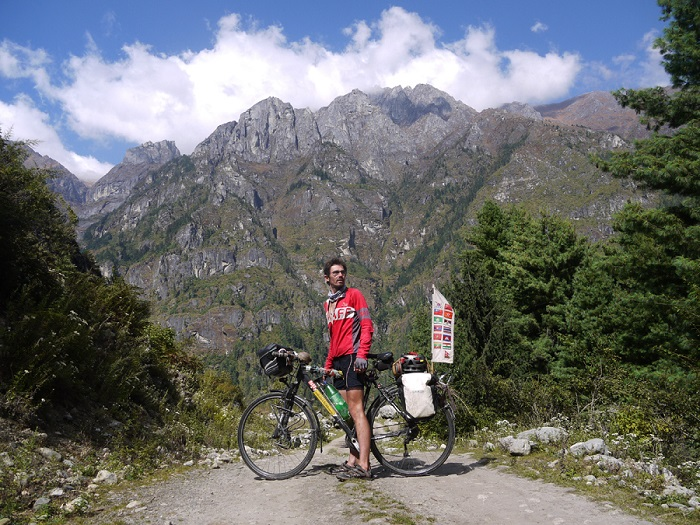 Around the World on a bicycle - Mike at Annapurna