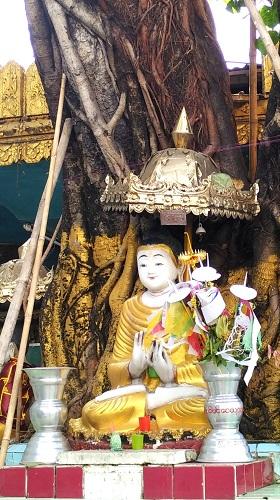 Inside Sule Pagoda - Things to do in Yangon by DrifterPlanet.Com