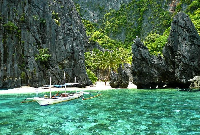 El Nido, Philippines - 50 Surreal Travel Destinations