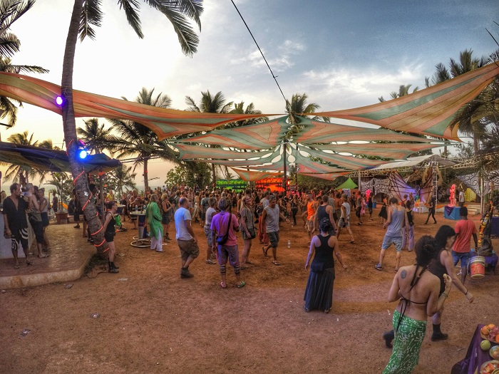 A PsyTrance party in 9 Bar, Vagator - A Guide to North Goa Beaches