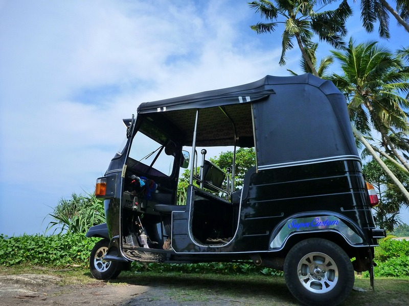 Ride a tuk tuk in Sri Lanka - things to do