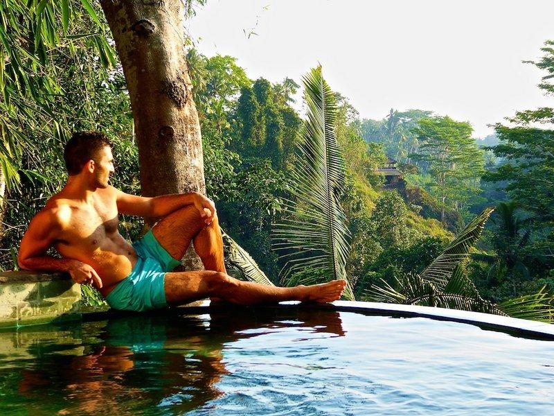 Awang Awang infinity pool, Bali