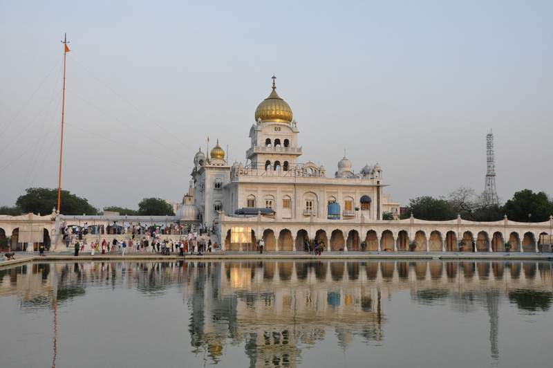 Bangla Sahib Gurudwara - Places to visit in Delhi