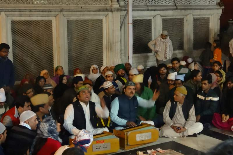 Quwwali at Nizamuddin's Dargah - Places to visit in Delhi
