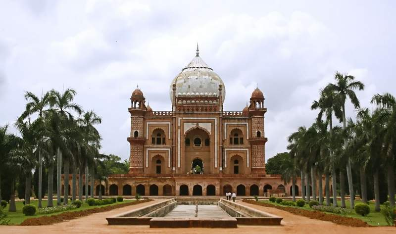 Safdarjung Tomb in Delhi - Mughal Places to See in Delhi