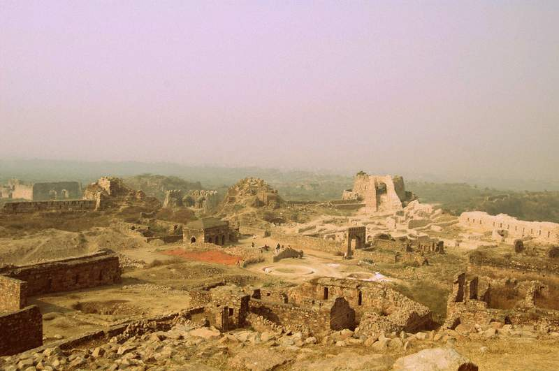 Tughlaqabad Fort ruins - places to see in Delhi