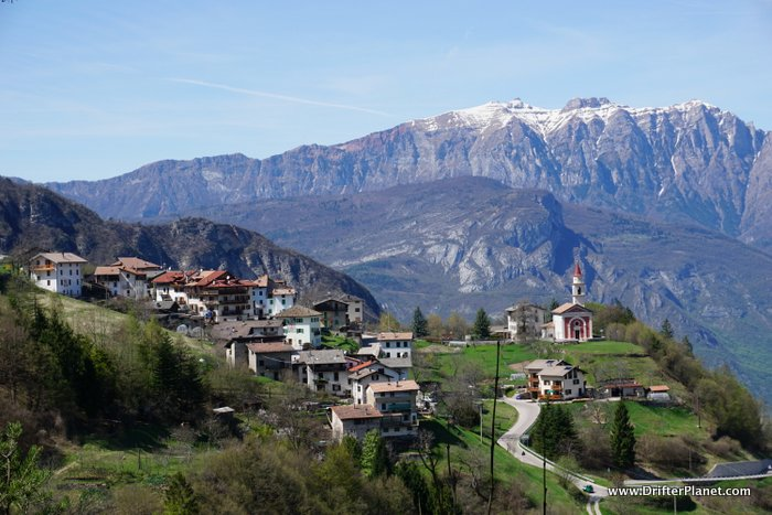Italy's mountain villages are really cute - views on the Rosspach Valley hiking trail, Trentino, Italy