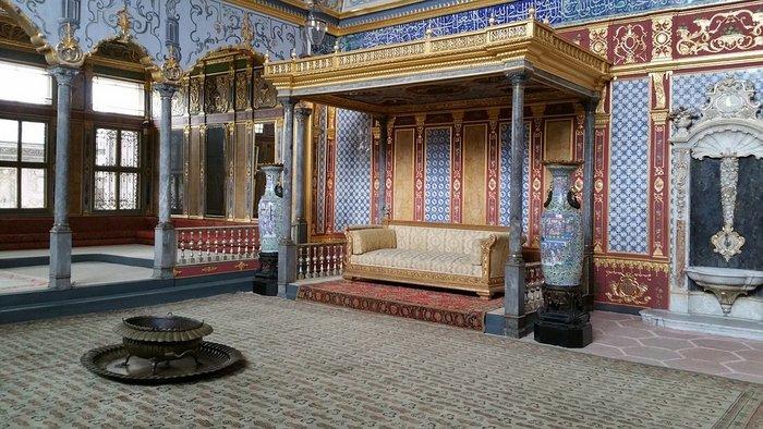Inside Topkapi palace, Istanbul itinerary