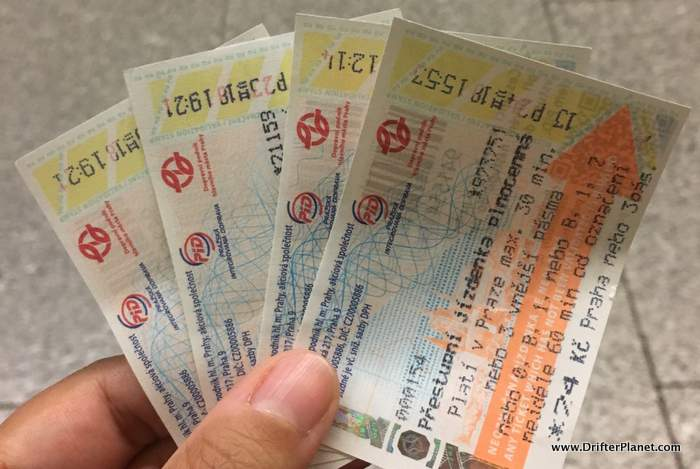 how to use metro tickets in prague