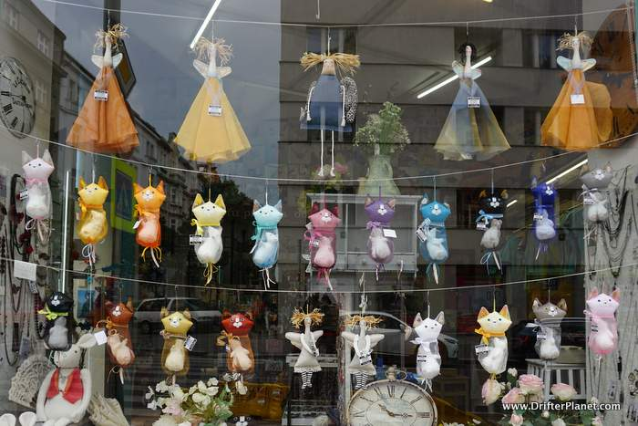 Buy puppets in Prague - Prague Travel Tips
