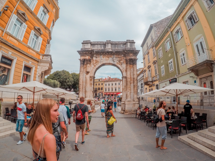 Walking around in Pula Old Town - Travel Guide