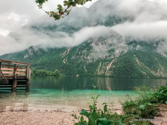 The spectacular Bohinjsko jezero - Lake Bohinj in Slovenia